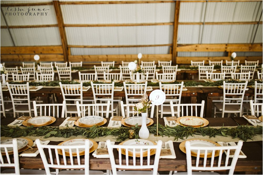 the-cottage-farmhouse-table-decor-reception