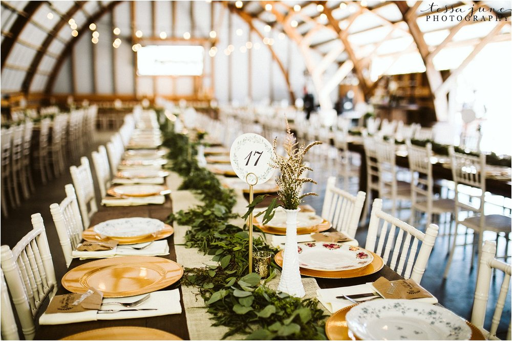 the-cottage-farmhouse-reception-table-decor