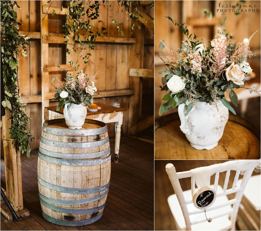 the-cottage-farmhouse-ceremony-barn-decoration