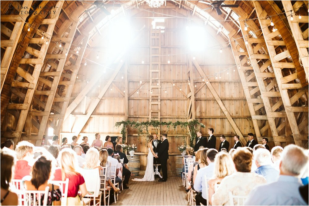the-cottage-farmhouse-barn-ceremony-minnesota