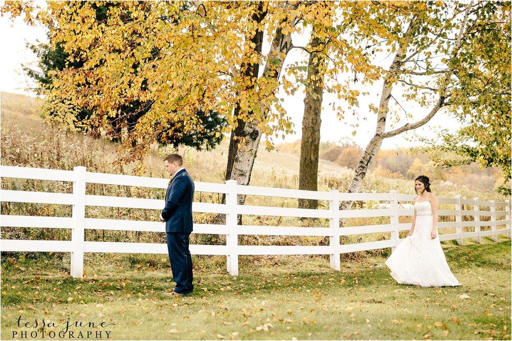 birch-hill-barn-october-wedding-wisconsin-first-look