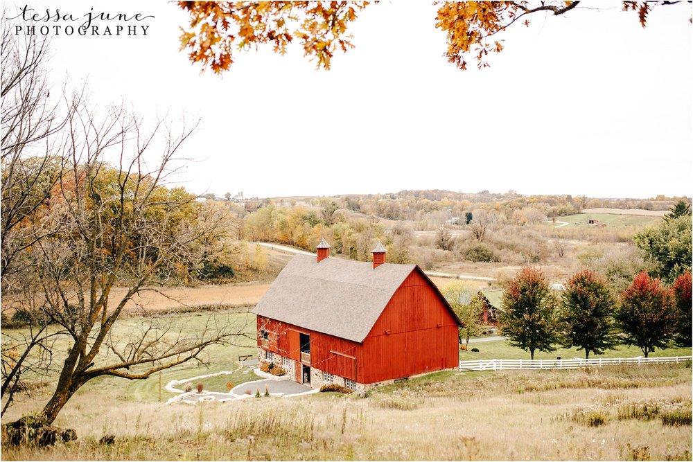 birch-hill-barn-october-wedding-wisconsin