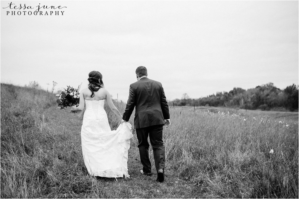 birch-hill-barn-wedding-october-wisonsin-63.jpg