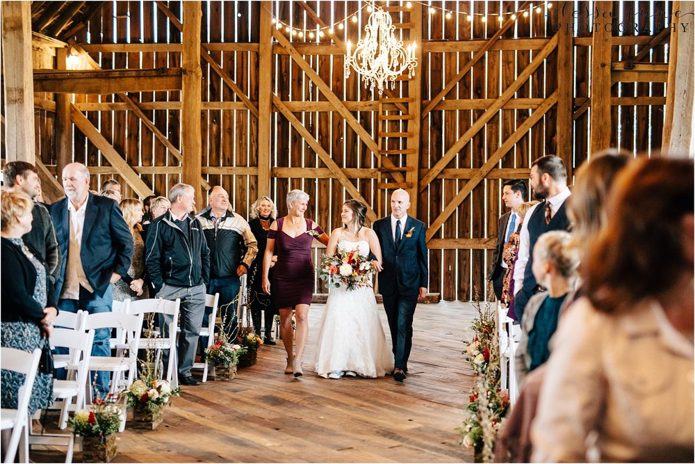 birch-hill-barn-wedding-october-wisonsin-89.jpg