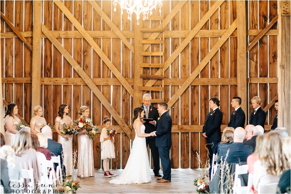 birch-hill-barn-wedding-october-wisonsin-96.jpg