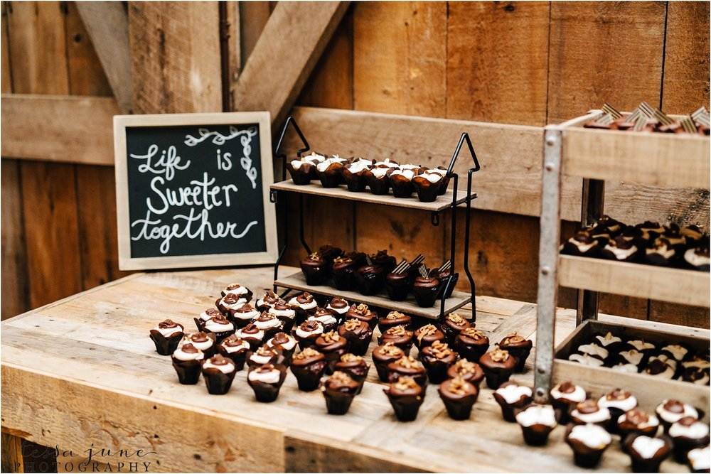 birch-hill-barn-october-wedding-wisconsin-dessert-table