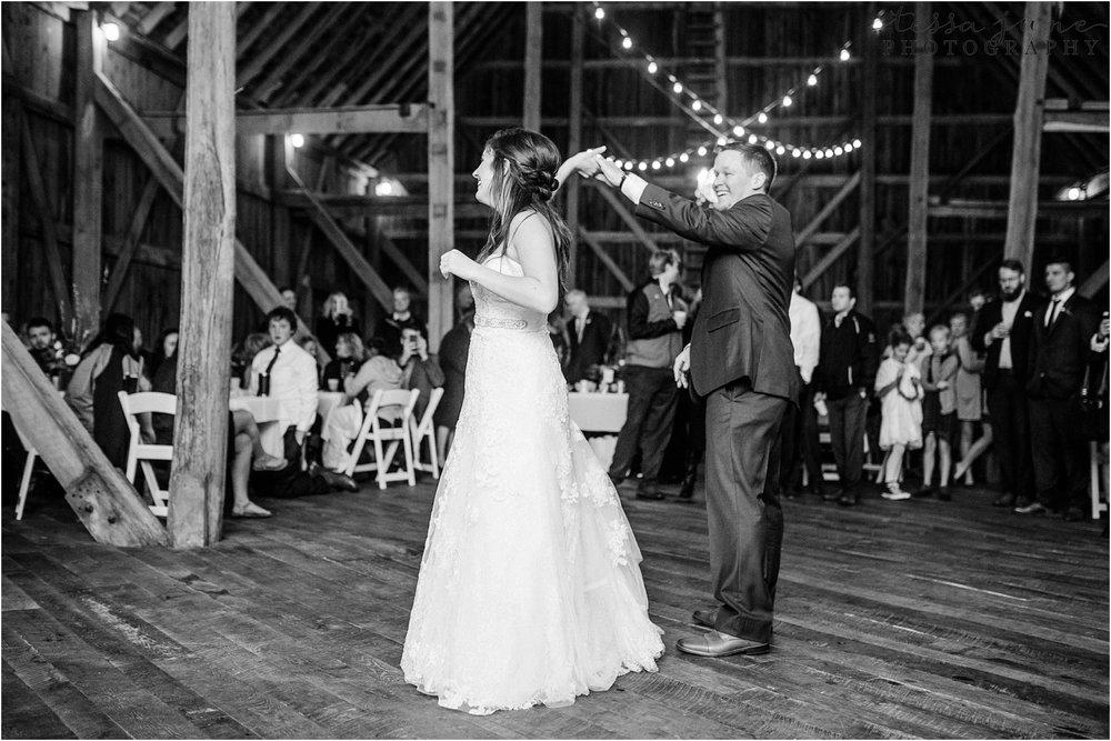 birch-hill-barn-wedding-october-wisonsin-127.jpg