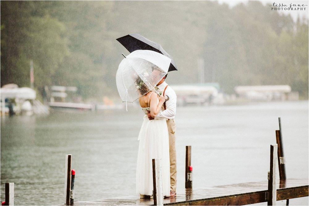 brainerd-lakes-minnesota-summer-wedding-on-the-lake-boho-inspired-24.jpg
