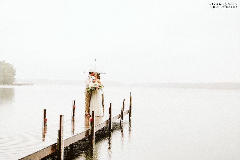 brainerd-lakes-minnesota-summer-wedding-on-the-lake-boho-inspired-27.jpg