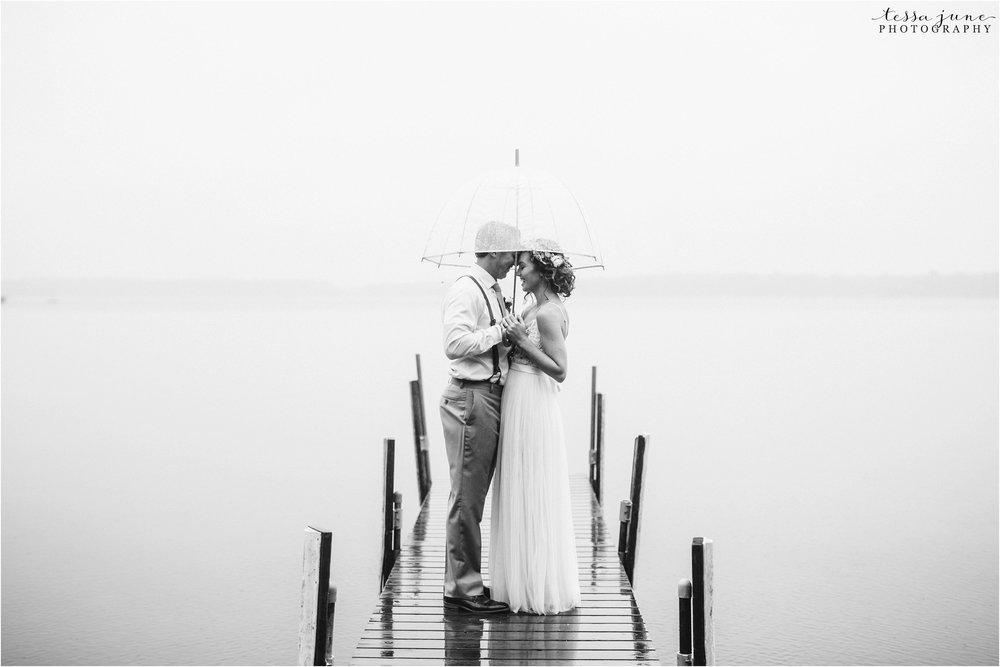 brainerd-lakes-minnesota-summer-wedding-on-the-lake-boho-inspired-33.jpg