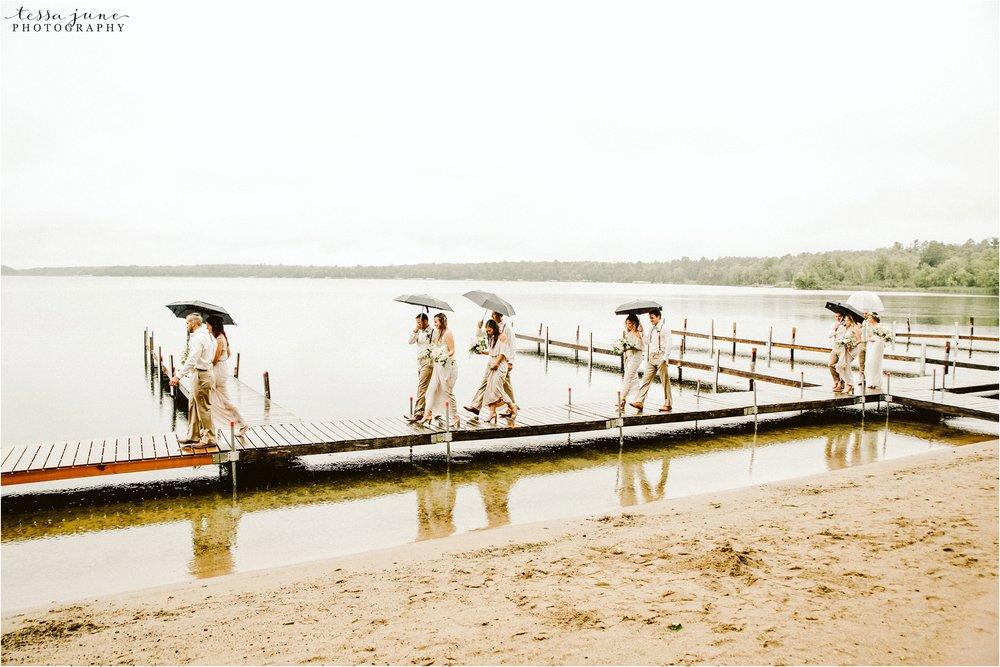 brainerd-lakes-minnesota-summer-wedding-on-the-lake-boho-inspired-38.jpg