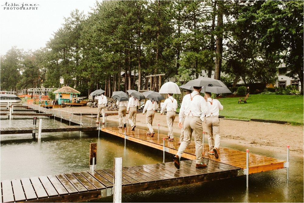brainerd-lakes-minnesota-summer-wedding-on-the-lake-boho-inspired-37.jpg