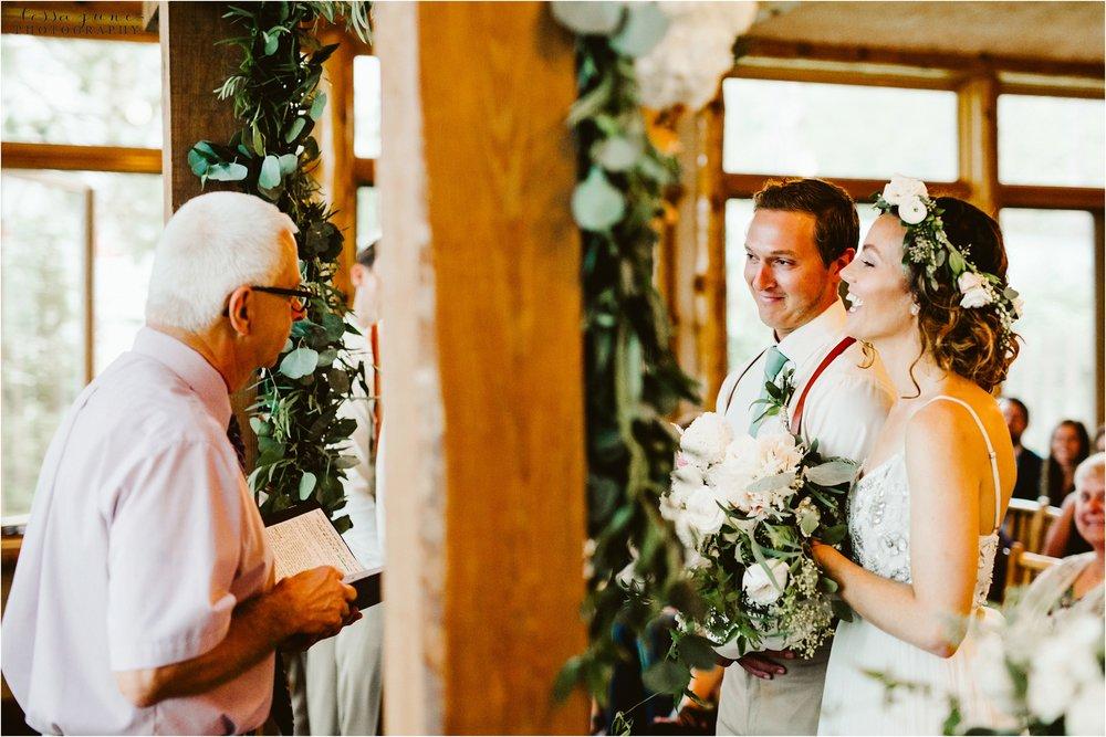 brainerd-lakes-minnesota-summer-wedding-on-the-lake-boho-inspired-59.jpg