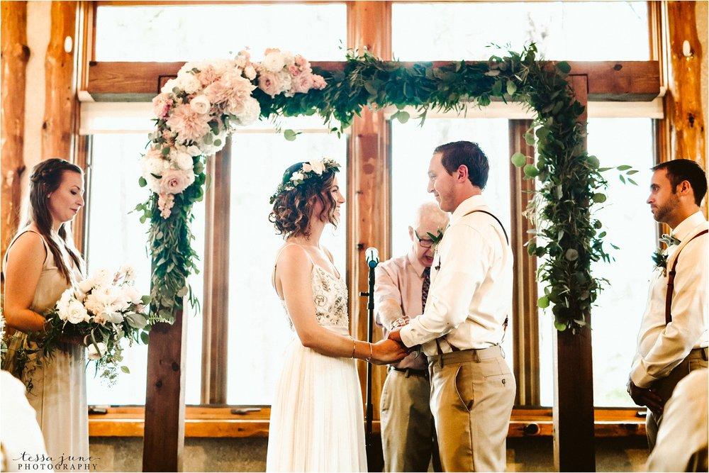 brainerd-lakes-minnesota-summer-wedding-on-the-lake-boho-inspired-62.jpg