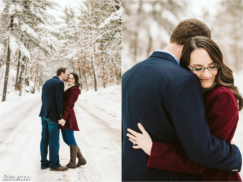 taylors-falls-winter-engagement-session-st-cloud-photographer-4.jpg