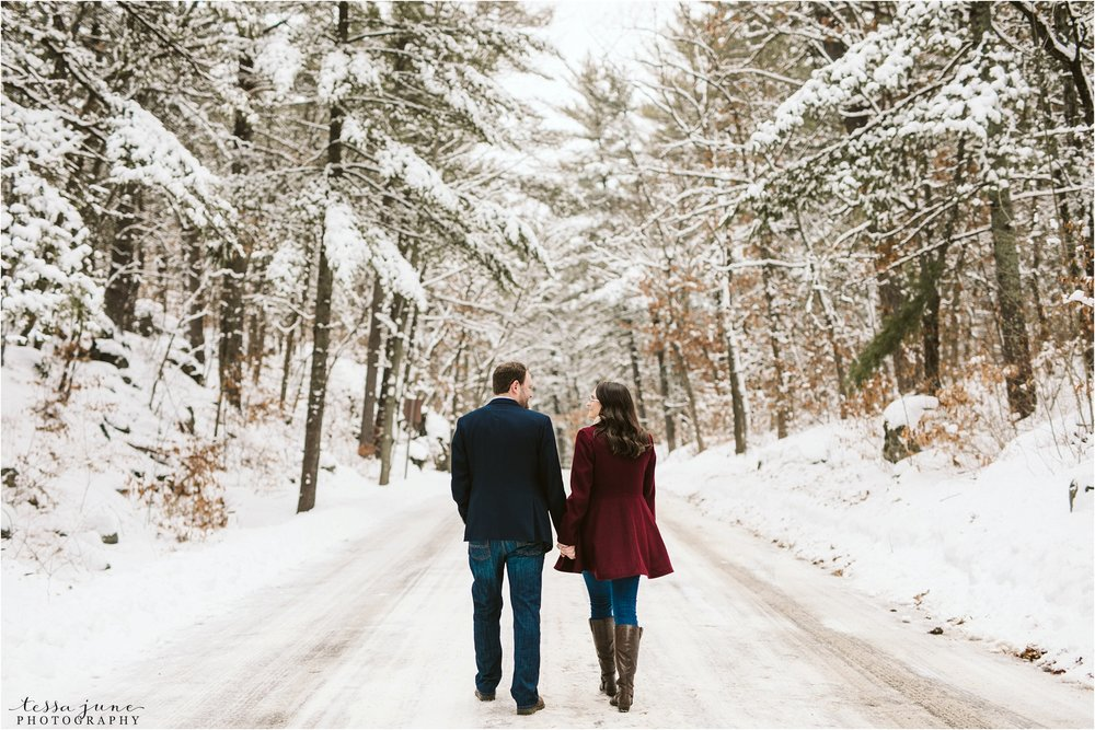 taylors-falls-winter-engagement-session-st-cloud-photographer-5.jpg