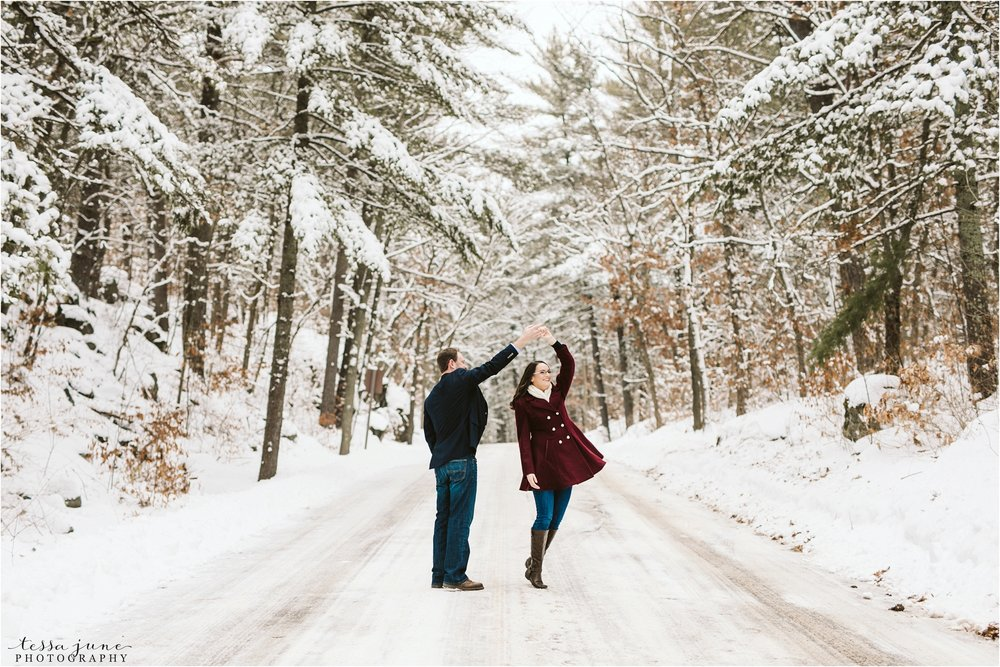 taylors-falls-winter-engagement-session-st-cloud-photographer-6.jpg