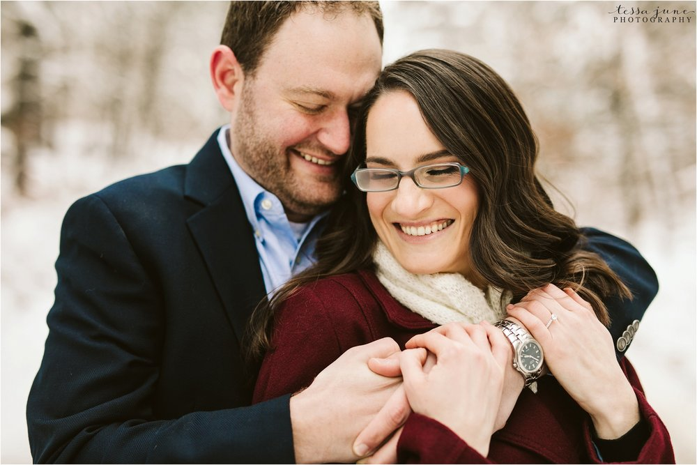 taylors-falls-winter-engagement-session-st-cloud-photographer-9.jpg