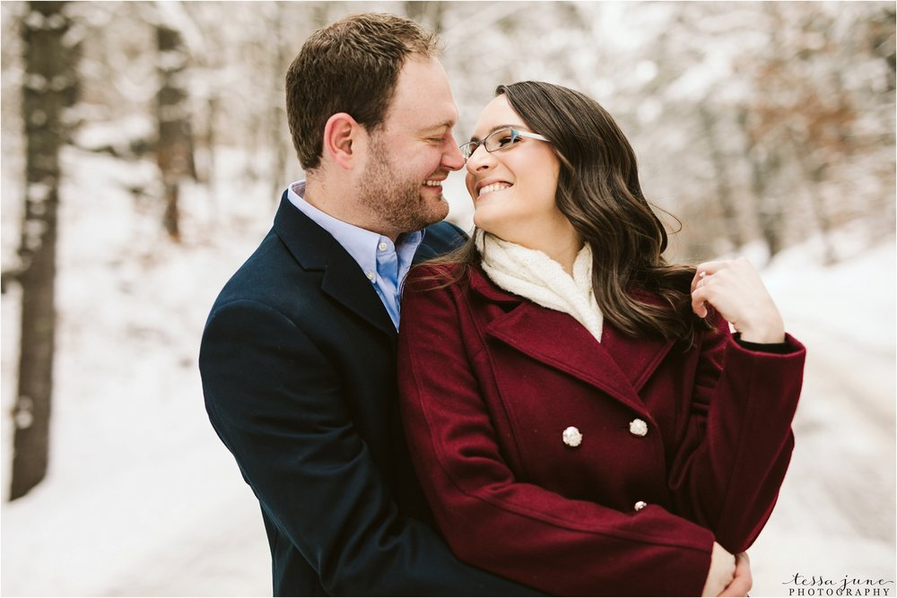 taylors-falls-winter-engagement-session-st-cloud-photographer-10.jpg