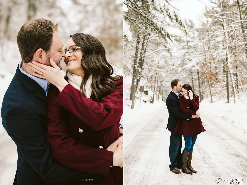 taylors-falls-winter-engagement-session-st-cloud-photographer-11.jpg