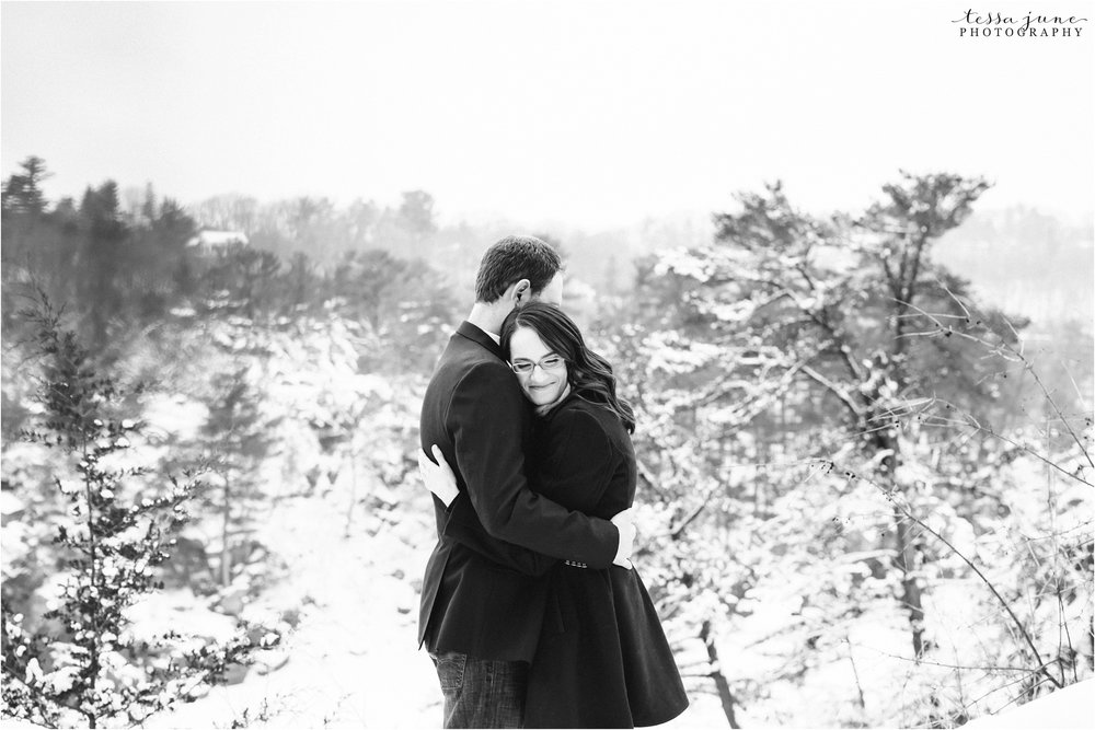 taylors-falls-winter-engagement-session-st-cloud-photographer-22.jpg