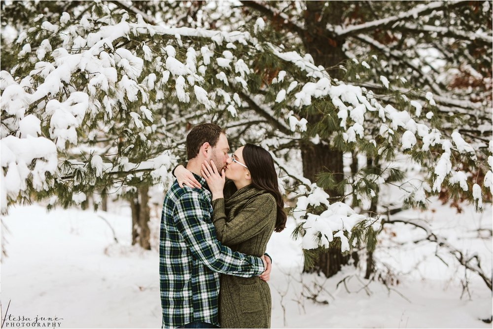 taylors-falls-winter-engagement-session-st-cloud-photographer-24.jpg