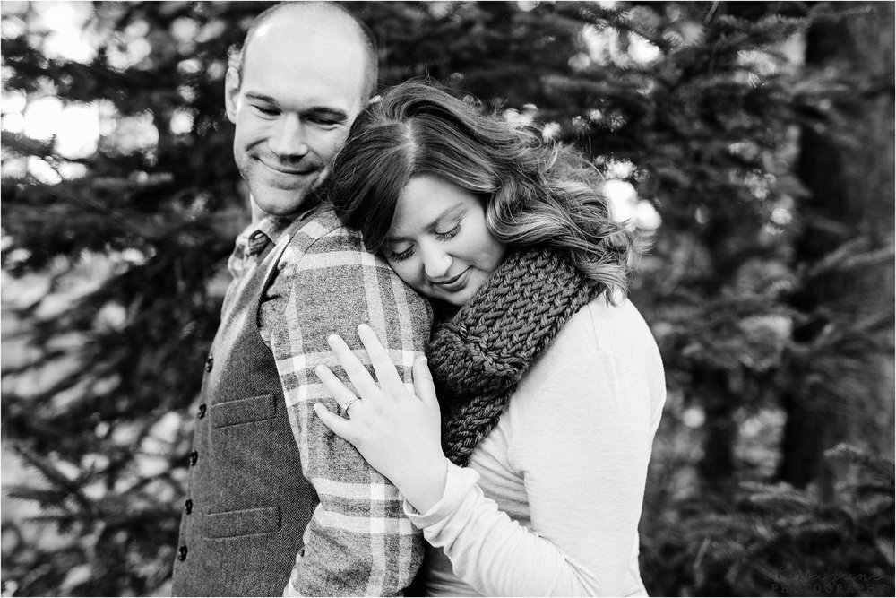 hansen-tree-farm-engagement-session-st-cloud-photographer-30.jpg