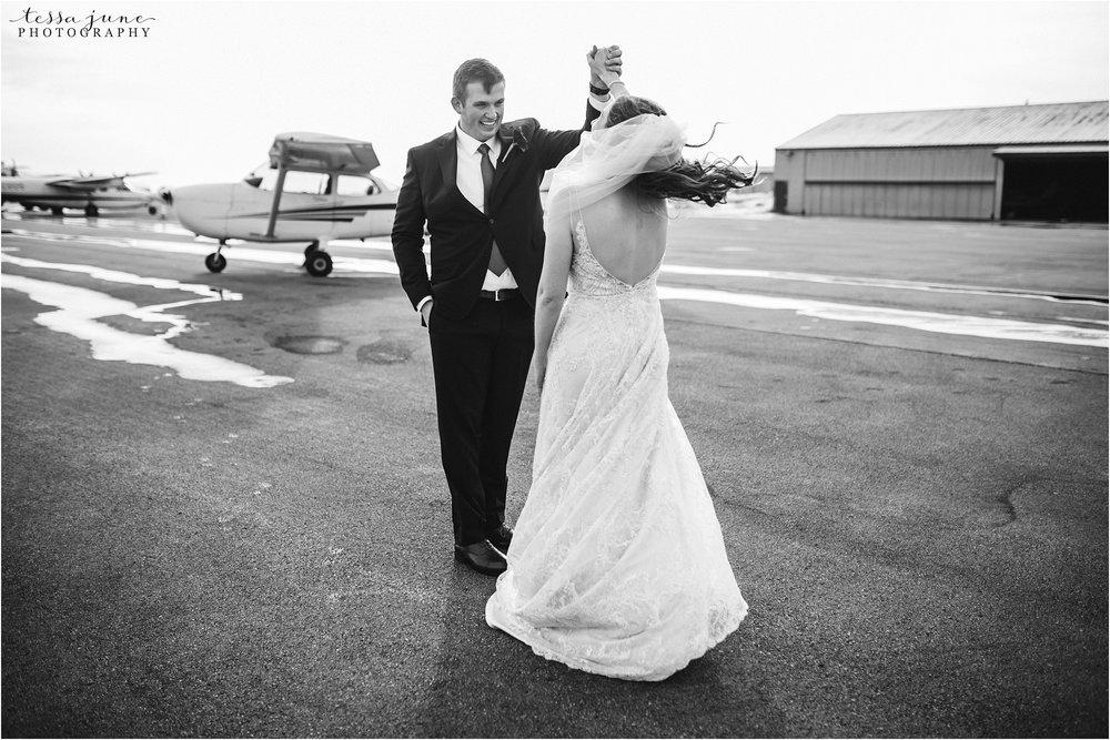 winter-wedding-in-eden-prairie-barn-minnesota-airplane-107.jpg