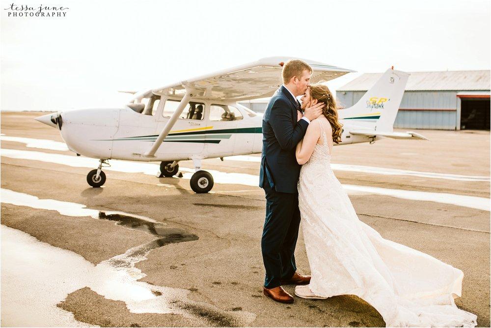 winter-wedding-in-eden-prairie-barn-minnesota-airplane-111.jpg