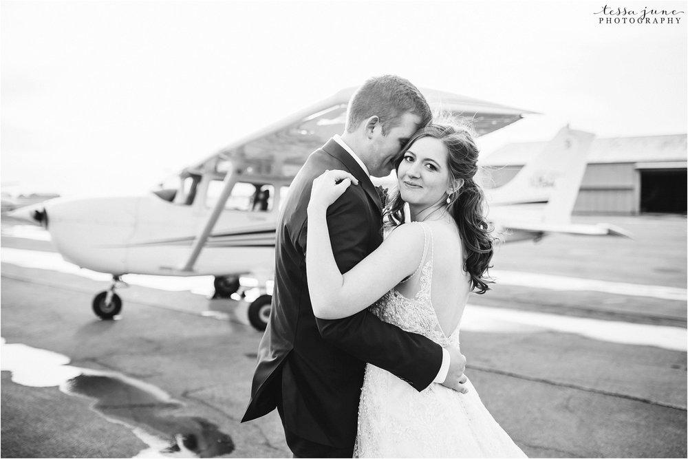winter-wedding-in-eden-prairie-barn-minnesota-airplane-115.jpg