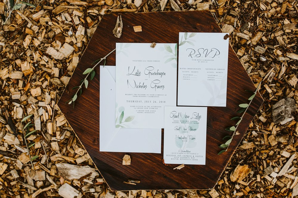 grandview-lodge-wedding-nisswa-minnesota-forest-stationary