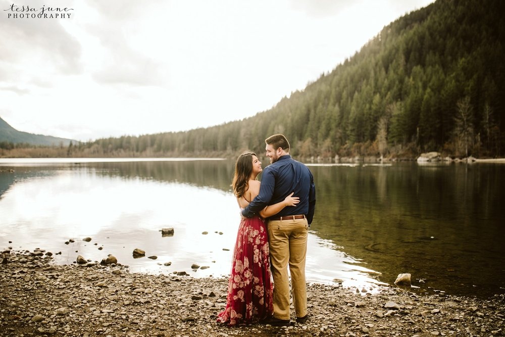 rattlesnake-lake-seattle-engagement-destination-photographer