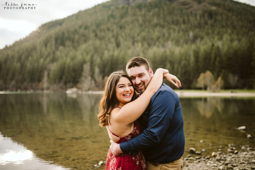rattlesnake-lake-seattle-engagement-destination-photographer-25.jpg