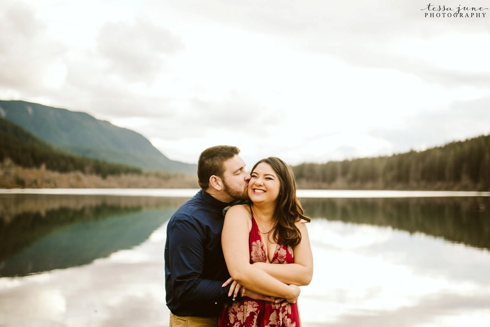 rattlesnake-lake-seattle-engagement-destination-photographer-43.jpg