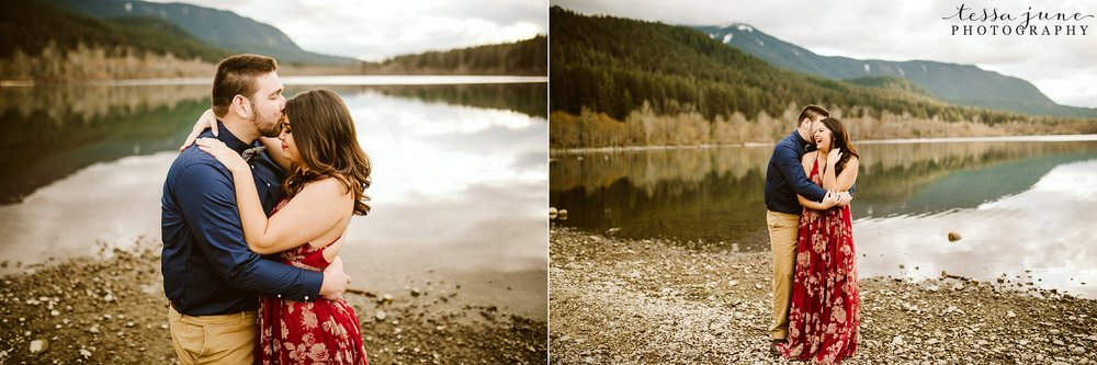 rattlesnake-lake-seattle-engagement-destination-photographer-48.jpg