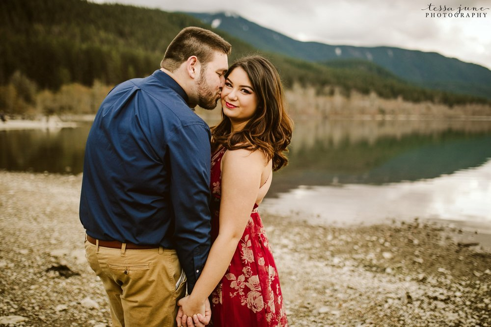 rattlesnake-lake-seattle-engagement-destination-photographer-57.jpg