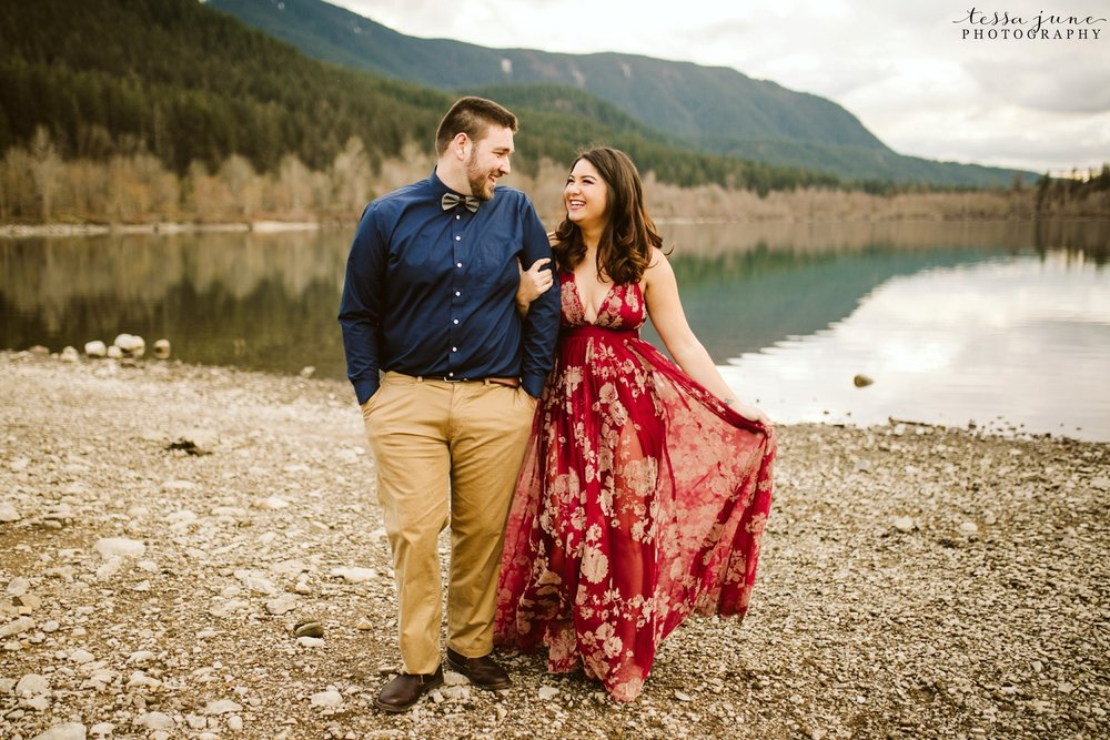 rattlesnake-lake-seattle-engagement-destination-photographer-62.jpg