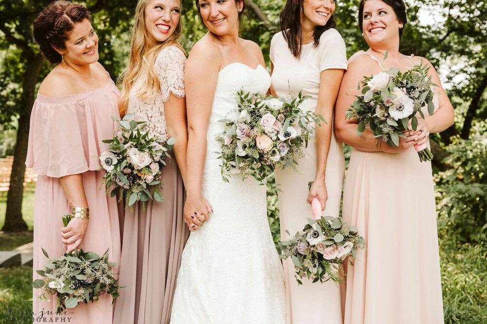 gathered-oaks-barn-wedding-alexandria-minnesota-12.jpg