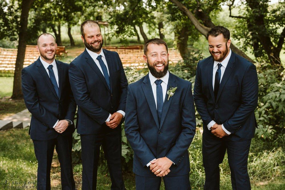 gathered-oaks-barn-wedding-alexandria-minnesota-17.jpg