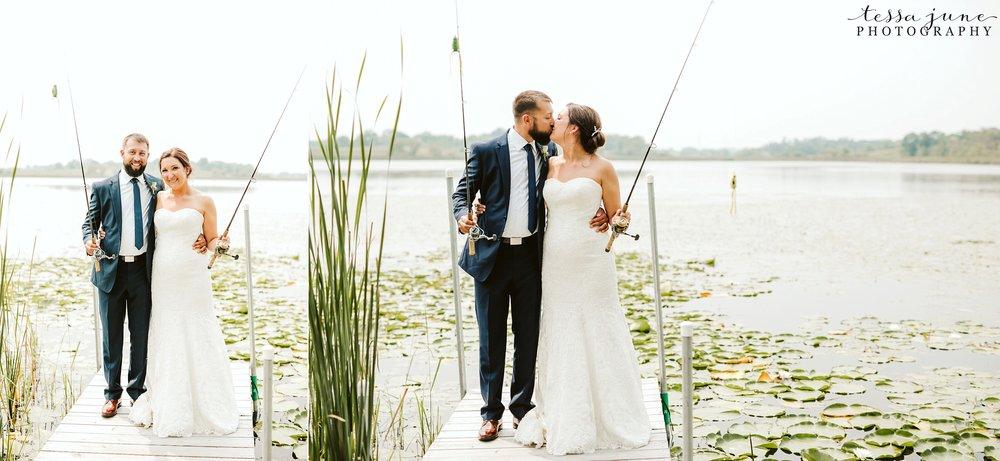 gathered-oaks-barn-wedding-alexandria-minnesota-50.jpg