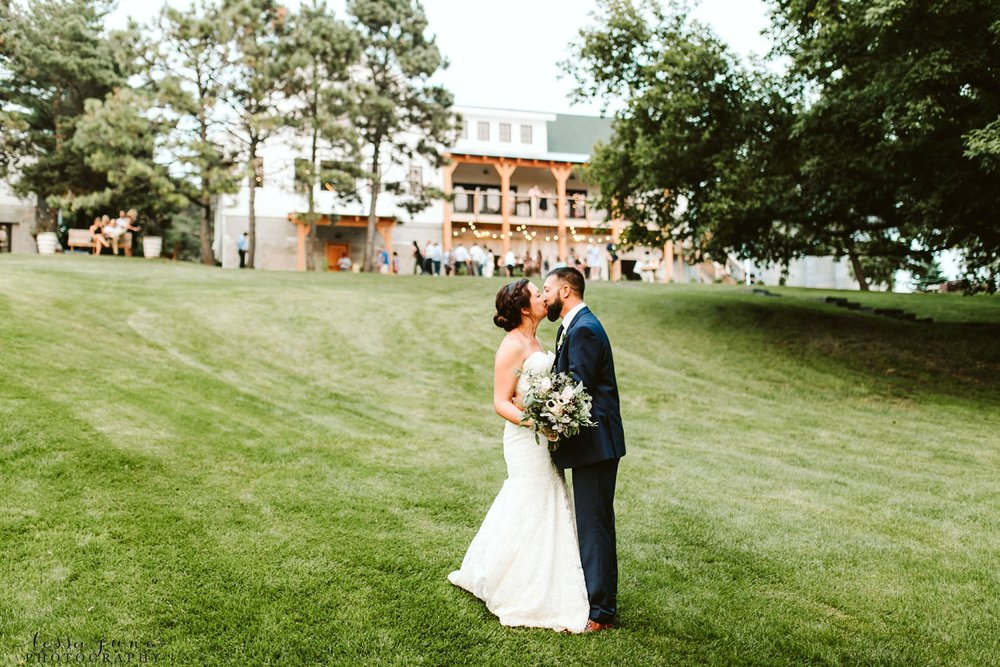gathered-oaks-barn-wedding-alexandria-minnesota-54.jpg