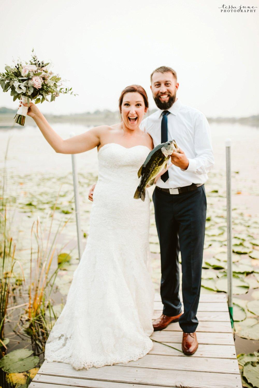 gathered-oaks-barn-wedding-alexandria-minnesota-56.jpg