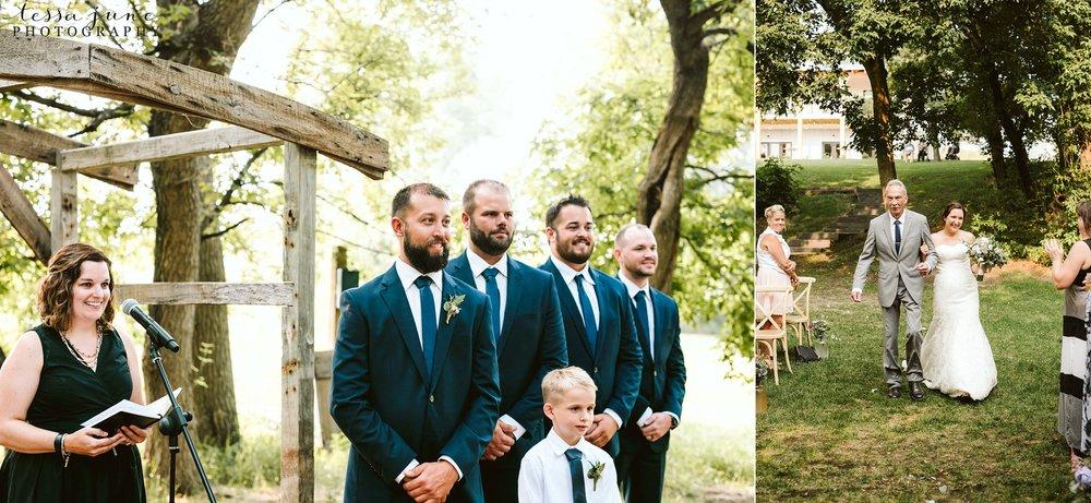 gathered-oaks-barn-wedding-alexandria-minnesota-62.jpg