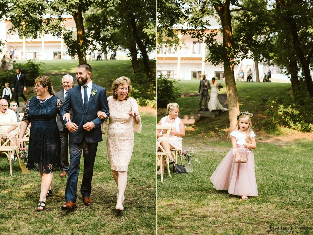 gathered-oaks-barn-wedding-alexandria-minnesota-59.jpg