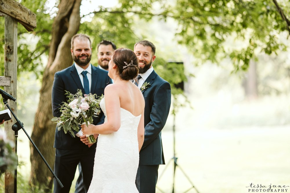 gathered-oaks-barn-wedding-alexandria-minnesota-67.jpg