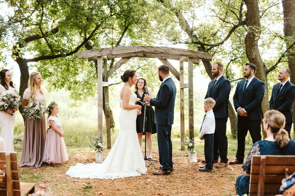gathered-oaks-barn-wedding-alexandria-minnesota-72.jpg
