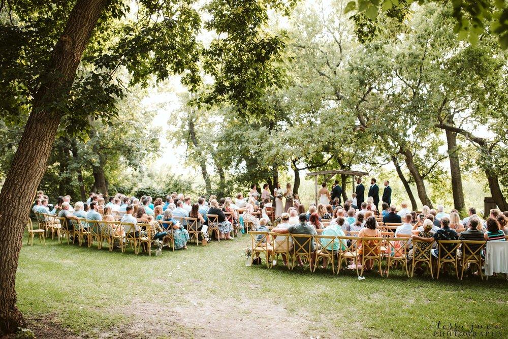 gathered-oaks-barn-wedding-alexandria-minnesota-71.jpg