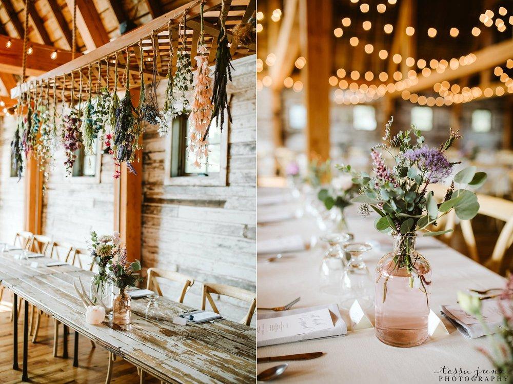 gathered-oaks-barn-wedding-alexandria-minnesota-131.jpg