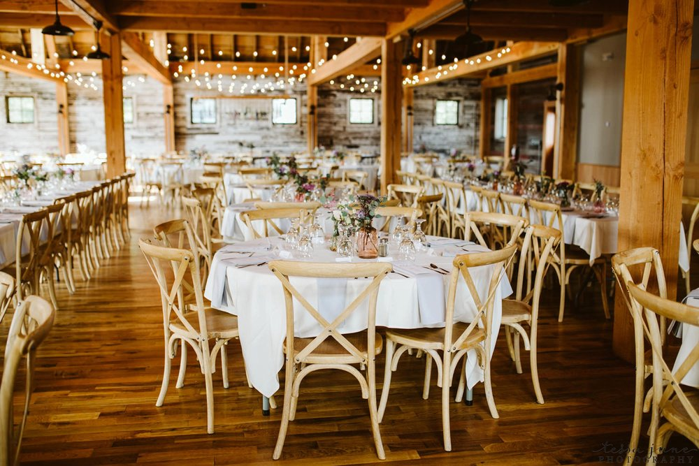 gathered-oaks-barn-wedding-alexandria-minnesota-141.jpg