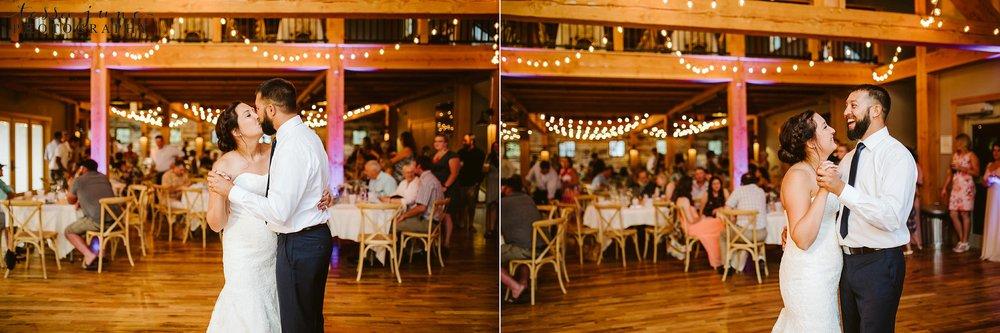 gathered-oaks-barn-wedding-alexandria-minnesota-186.jpg